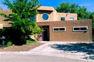 Photo of 2025 DARTMOUTH Drive NE, Albuquerque, NM 87106 (MLS # 943953)