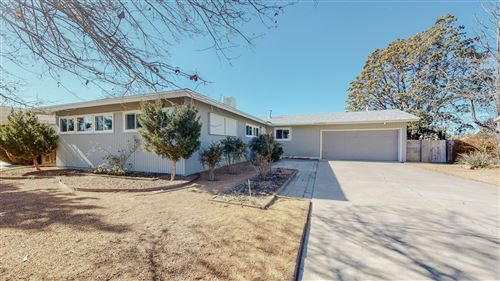 Photo of 2929 DAKOTA Street NE, Albuquerque, NM 87110 (MLS # 983953)