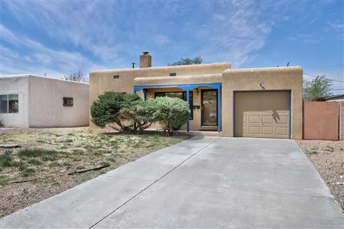 Photo of 213 Monroe Street NE, Albuquerque, NM 87108 (MLS # 989957)