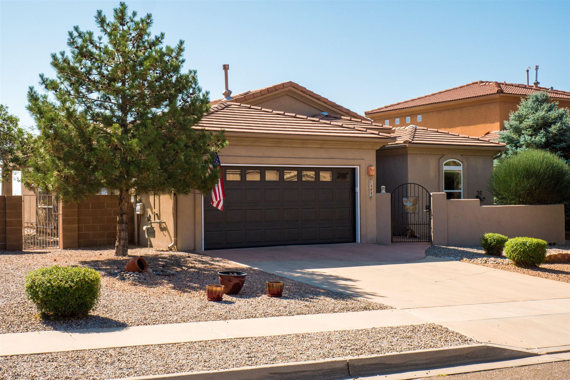 Photo of 1342 WILKES Way SE, Rio Rancho, NM 87124 (MLS # 977958)