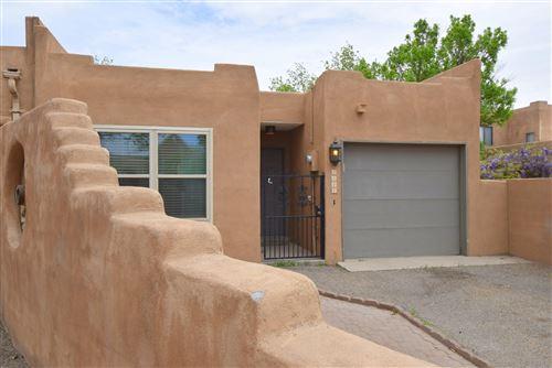 Photo of 2417 NORTHWEST Circle NW, Albuquerque, NM 87104 (MLS # 989961)