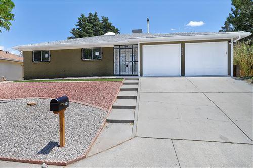 Photo of 2440 Figueroa Drive NE, Albuquerque, NM 87112 (MLS # 991965)