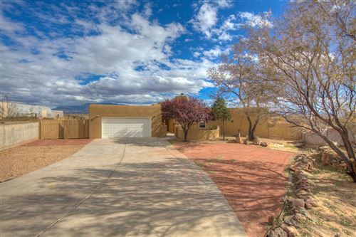 Photo of 1828 CALLE DEL VISTA Road NW, Albuquerque, NM 87105 (MLS # 980968)