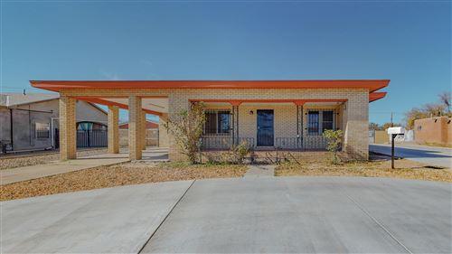 Photo of 475 LOMA HERMOSA Drive NW, Albuquerque, NM 87105 (MLS # 980969)