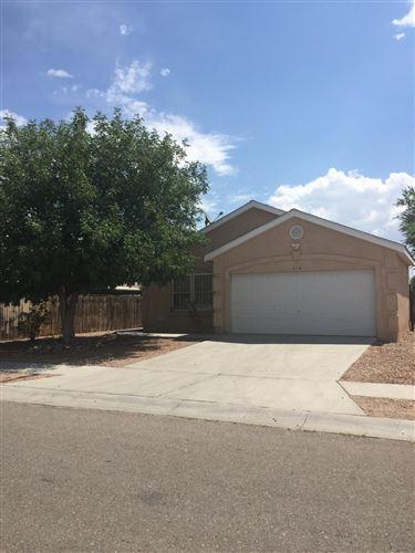 Photo of 414 Viking Drive SW, Albuquerque, NM 87121 (MLS # 923974)