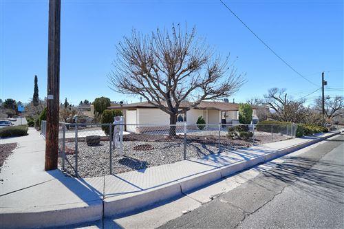 Photo of 1701 VASSAR Drive SE, Albuquerque, NM 87106 (MLS # 985976)