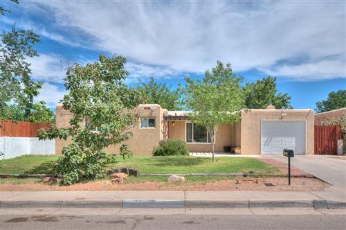 Photo of 4007 PONDEROSA Avenue NE, Albuquerque, NM 87110 (MLS # 972977)