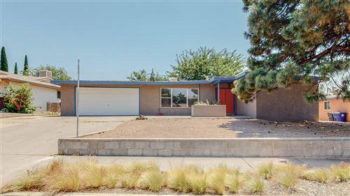 Photo of 6208 LOFTUS Avenue NE, Albuquerque, NM 87109 (MLS # 993977)