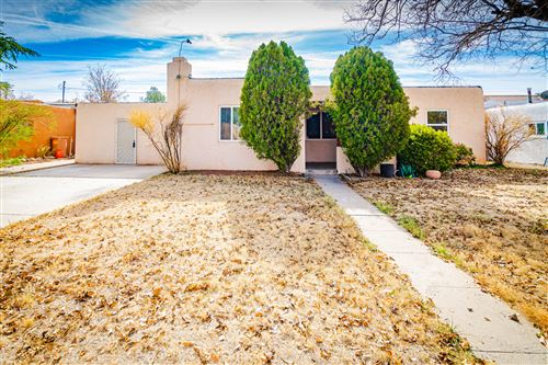Photo of 3016 FRONTIER Avenue NE, Albuquerque, NM 87106 (MLS # 957980)
