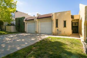 Photo of 10012 Gutierrez Road NE, Albuquerque, NM 87111 (MLS # 989980)