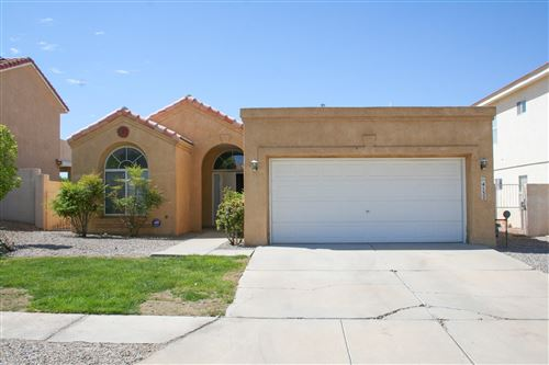 Photo of 4132 SKYVIEW CREST Road NW, Albuquerque, NM 87114 (MLS # 991982)