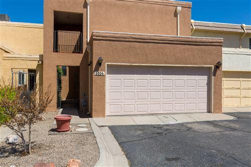 Photo of 5004 LA FIESTA Drive NE, Albuquerque, NM 87109 (MLS # 991994)
