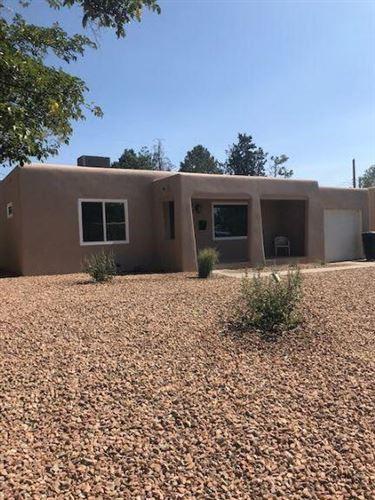 Photo of 416 VALENCIA Drive NE, Albuquerque, NM 87108 (MLS # 991999)