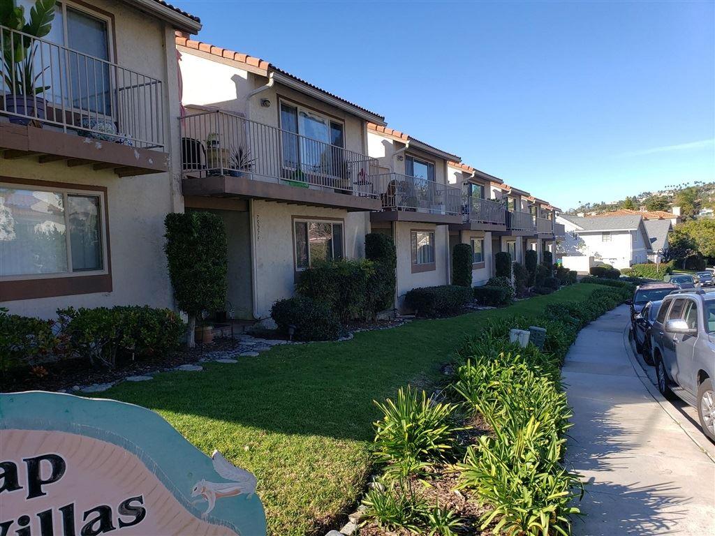 7527 Jerez Ct #Unit B, Carlsbad, CA 92009 - MLS#: 200024077