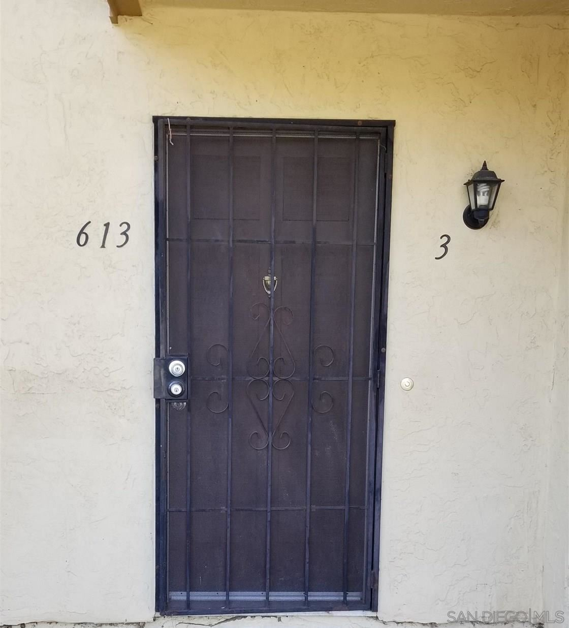 613 R ave, National City, CA 91950 - #: 210028136