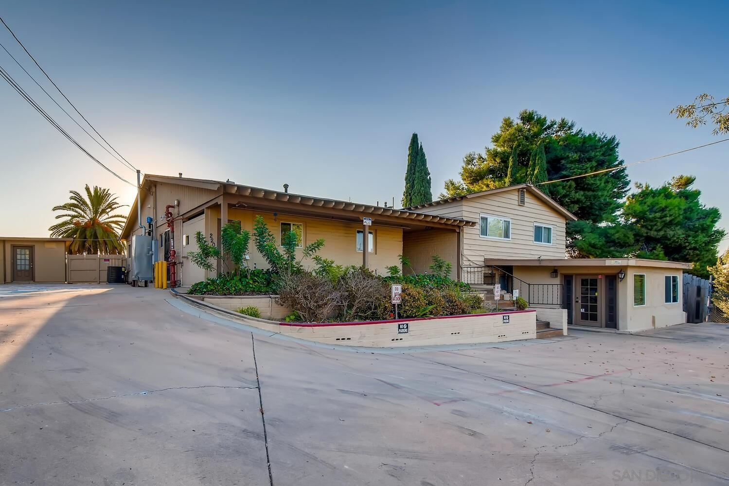 2205 El Prado, Lemon Grove, CA 91945 - MLS#: 200047297