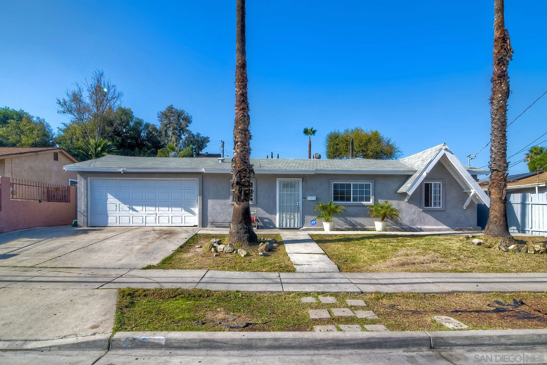422 Osage St, Spring Valley, CA 91977 - MLS#: 200052306