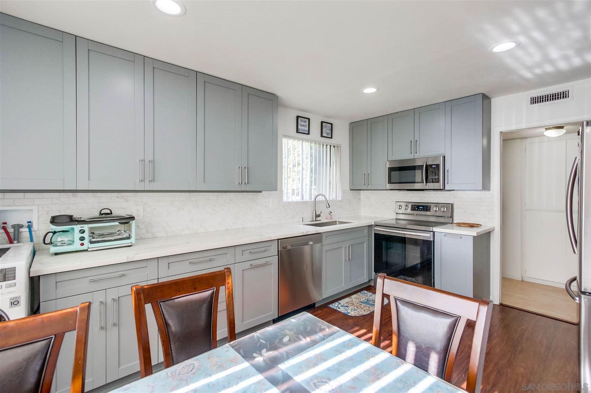 1817 E E Grand Ave #57, Escondido, CA 92027 - MLS#: 200052444