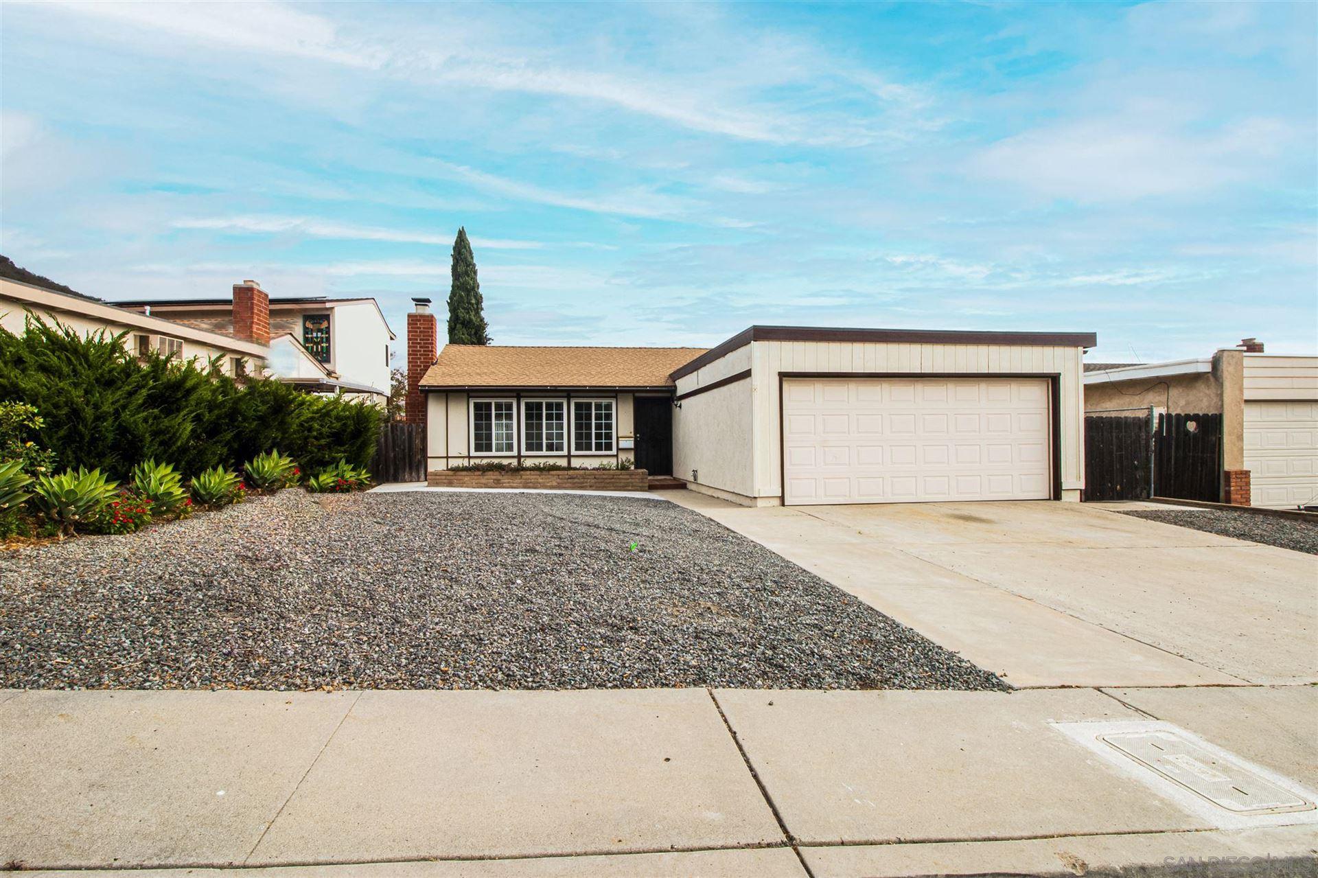 8416 Barker Drive, San Diego, CA 92119 - MLS#: 200036546