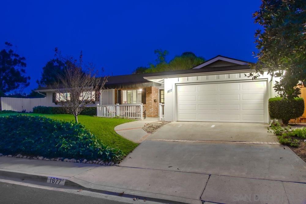 1677 View Way, El Cajon, CA 92020 - MLS#: 200043857