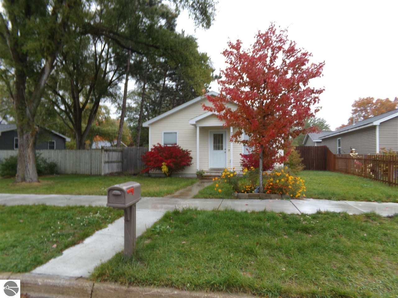 715 Grant Street, Traverse City, MI 49686 - MLS#: 1881307