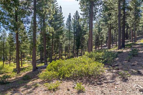 Photo of 9468 Clermont Court, Truckee, CA 96161 (MLS # 20200084)