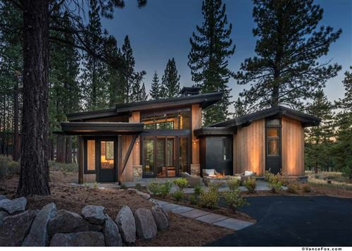 Photo of 9718 Hunter House Drive, Truckee, CA 96161 (MLS # 20183173)