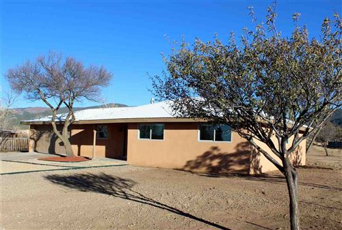 Photo of 911 Calle Conquistador, Taos, NM 87571 (MLS # 106158)