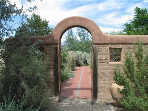 Photo of 61 Blueberry Hill, Taos, NM 87571 (MLS # 101181)