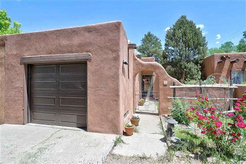 Photo of 107 Toalne St, Taos, NM 87571 (MLS # 107227)