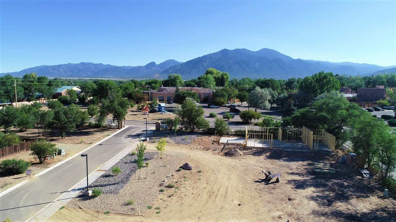 Photo for 318 Pond Court, Taos, NM 87571 (MLS # 105247)