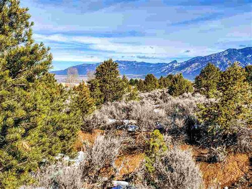 Photo of 18B Espinoza Road, Taos, NM 87571 (MLS # 106321)