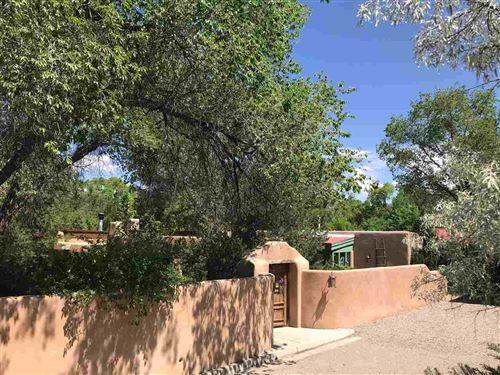 Photo of 401 Geronimo, Taos, NM 87571 (MLS # 105358)
