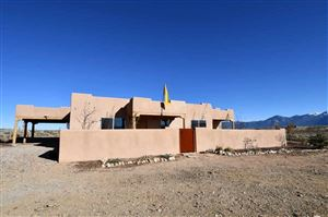 Photo of 25 Este  Mirada, Taos, NM 87571 (MLS # 104397)