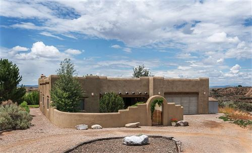 Photo of 98 Vista del Ocaso, Ranchos de Taos, NM 87557 (MLS # 105476)