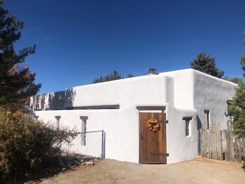 217 Adobe Rd, Taos, NM 87571 - #: 106571