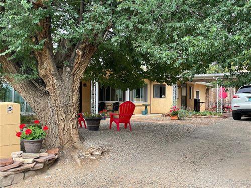 Photo of 5 calle martinez, ranchos de taos, NM 87557 (MLS # 107652)