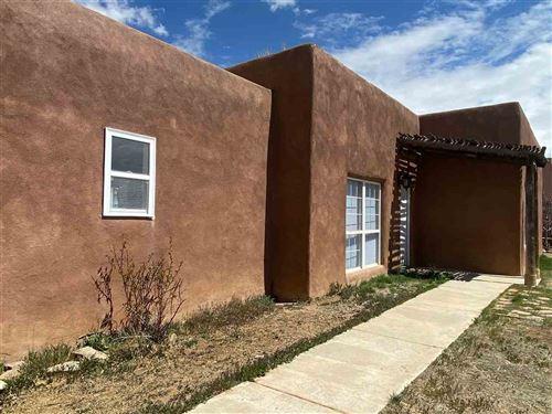 Photo of 1247 Lamento de Coyote, Taos, NM 87571 (MLS # 106728)