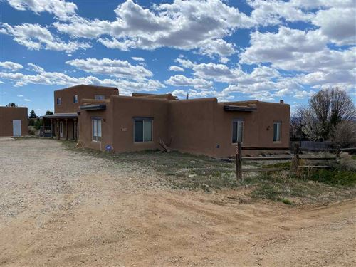 Photo of 1132 Calle del Oso, Taos, NM 87571 (MLS # 106769)