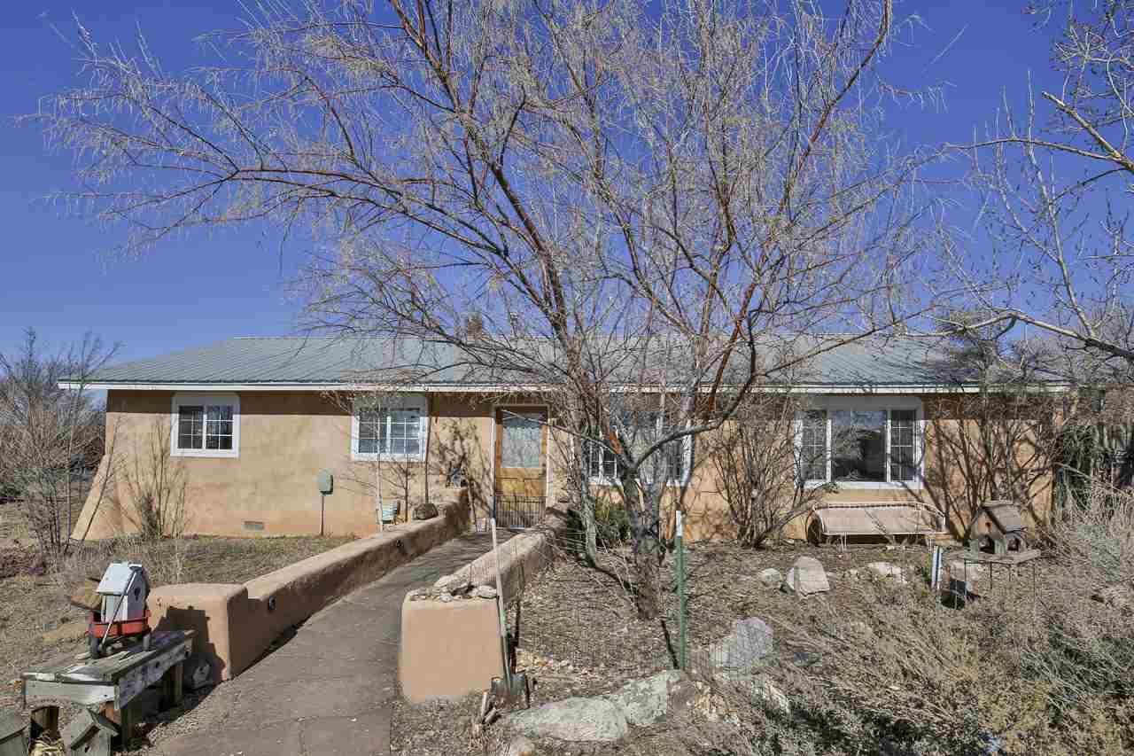 Photo for 313 Este Es Road, Taos, NM 87571 (MLS # 104859)