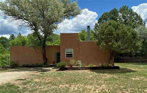 Photo of 433 Casitas del Rio, Taos, NM 87571 (MLS # 104883)