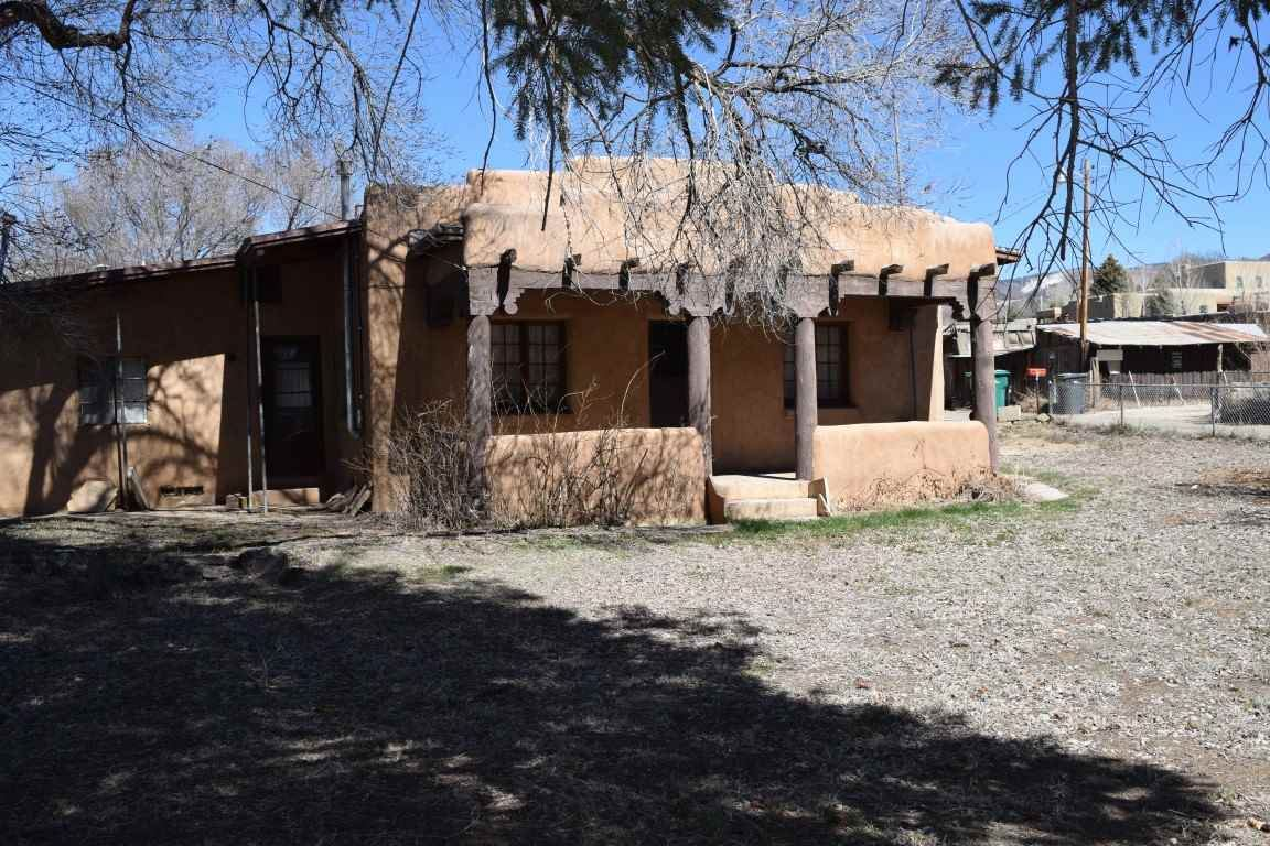 Photo for 106 De Teves Ln and Kit Carson, Taos, NM 87571 (MLS # 104889)