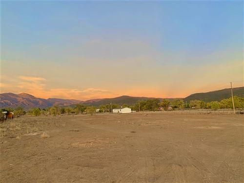 Photo of 00 Chanclas Ln, Ranchos de Taos, NM 87557 (MLS # 105993)
