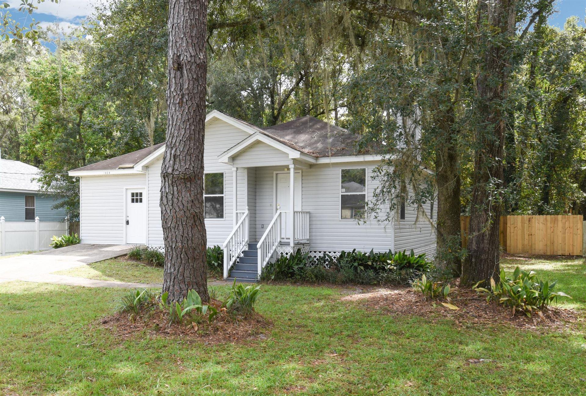 Photo of 1909 Longview Drive, TALLAHASSEE, FL 32303 (MLS # 338050)