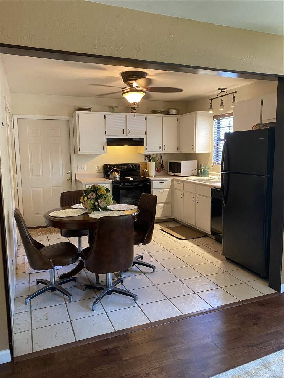Photo of 89 Feather Trail, CRAWFORDVILLE, FL 32327 (MLS # 324065)