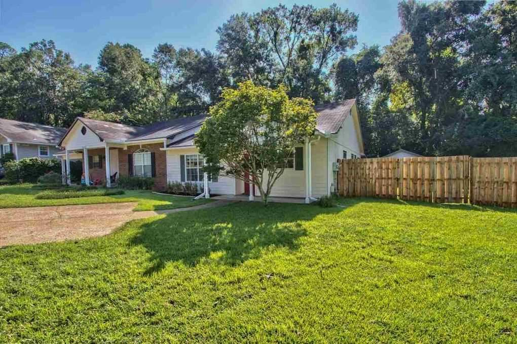 Photo of 2216 Paul Russell Circle, TALLAHASSEE, FL 32301 (MLS # 327088)
