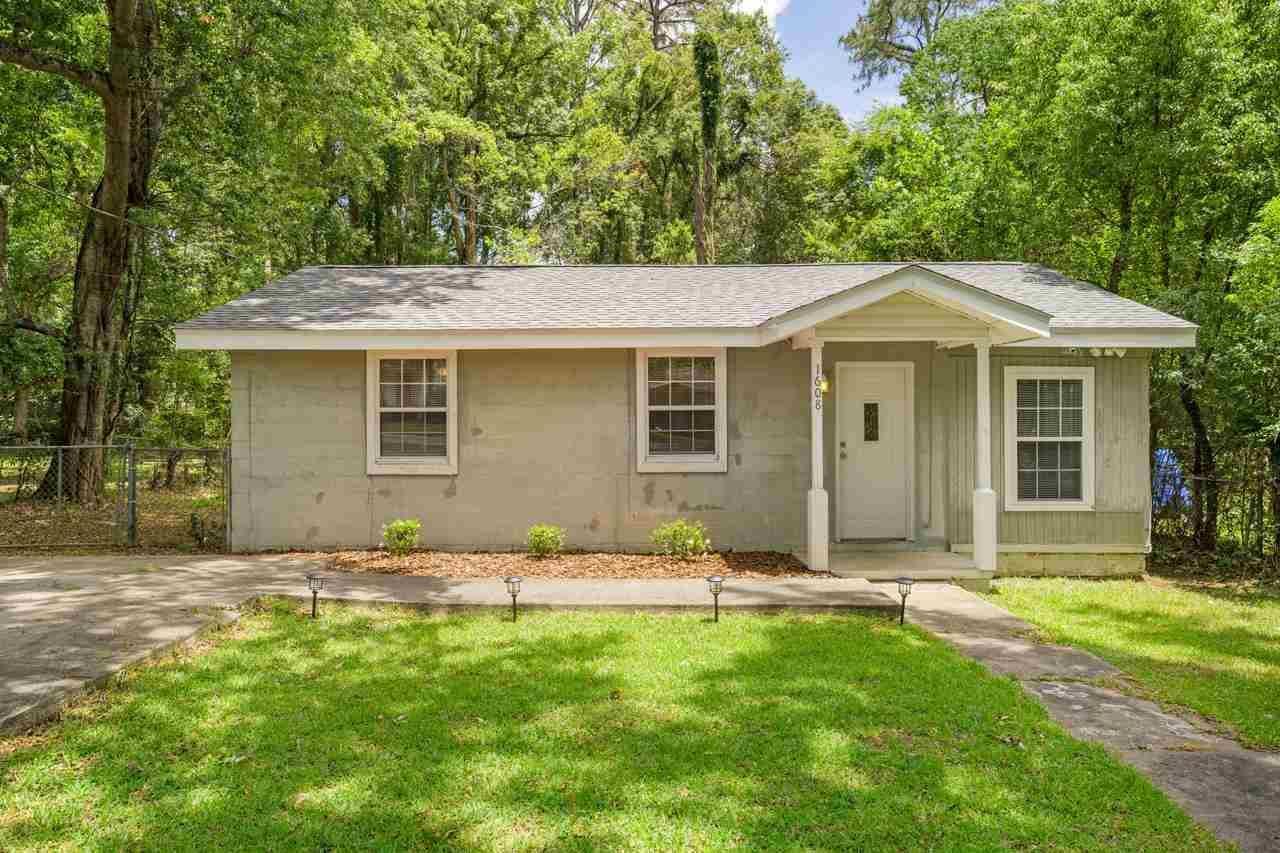 Photo of 1608 PEPPER Drive, TALLAHASSEE, FL 32304 (MLS # 335107)