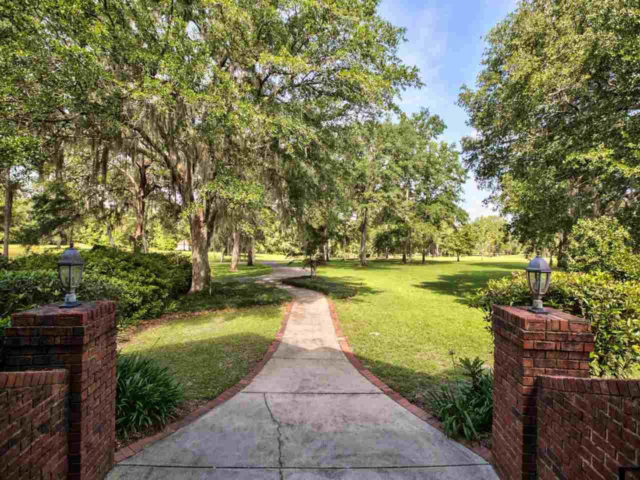 Photo of 10032 Surrey Farms Lane, TALLAHASSEE, FL 32309 (MLS # 307207)
