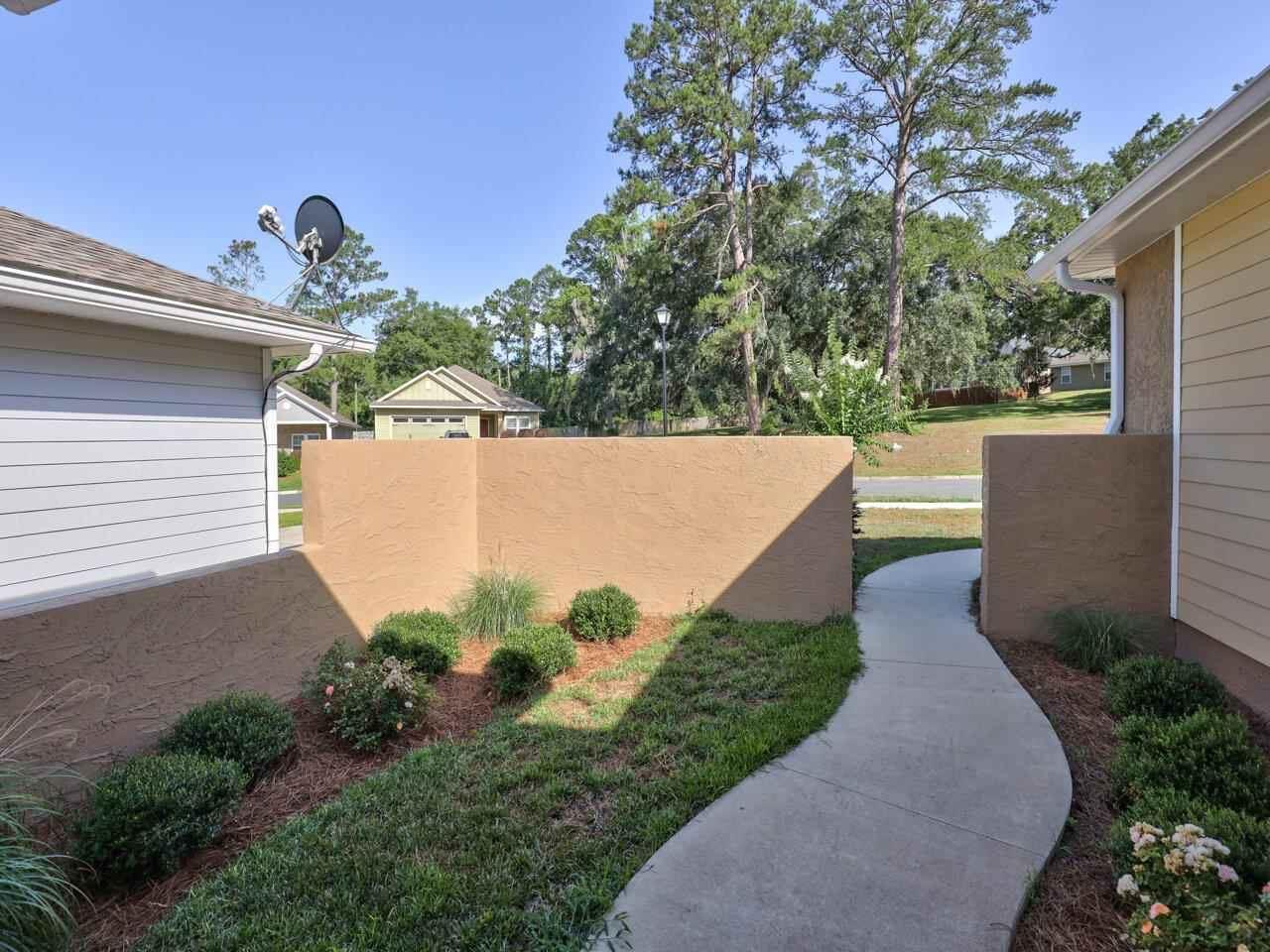 Photo of 2423 Tippecanoe Ridge, TALLAHASSEE, FL 32303 (MLS # 333216)