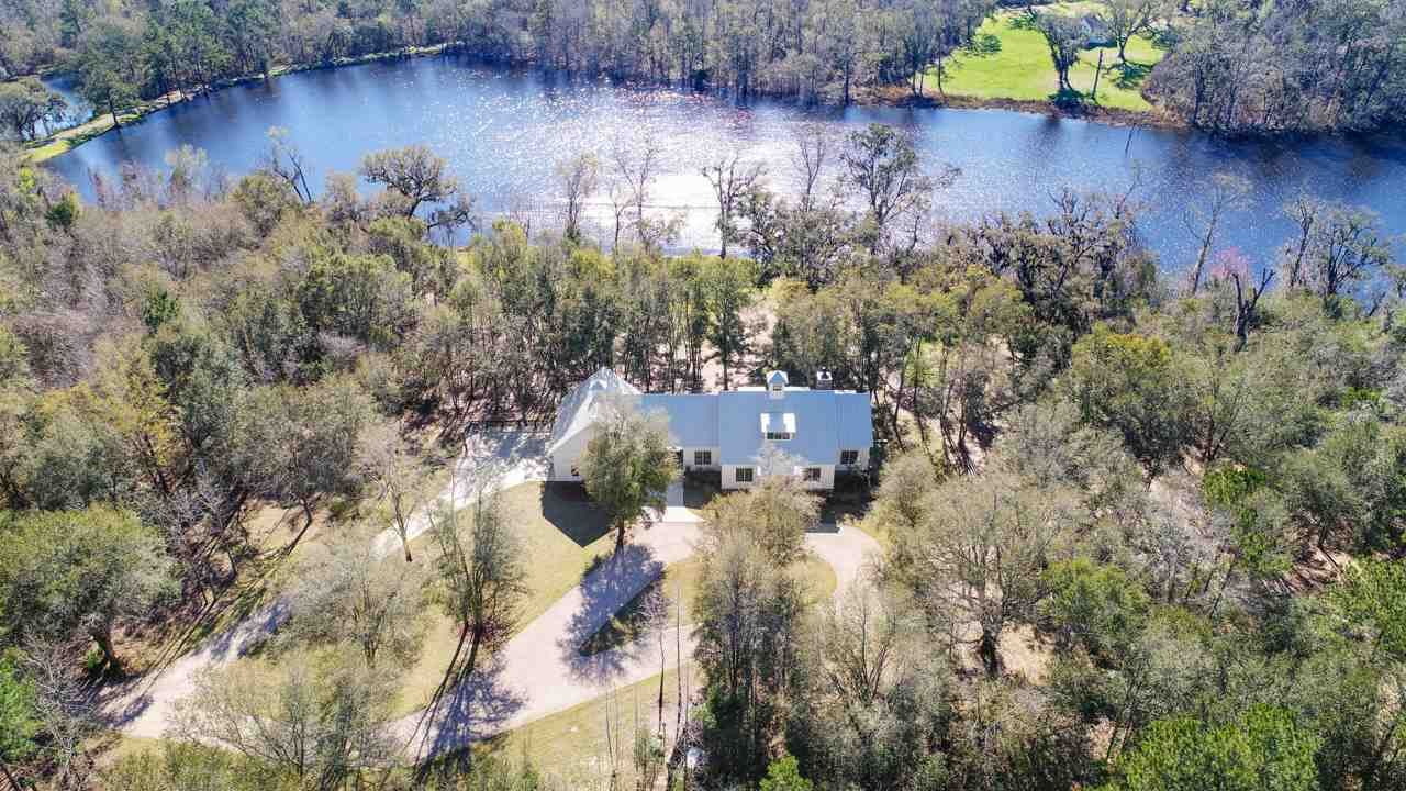 Photo of 403 Fair Haven Road, MIDWAY, FL 32343 (MLS # 318270)